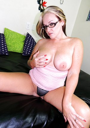 Natural Tits Pictures